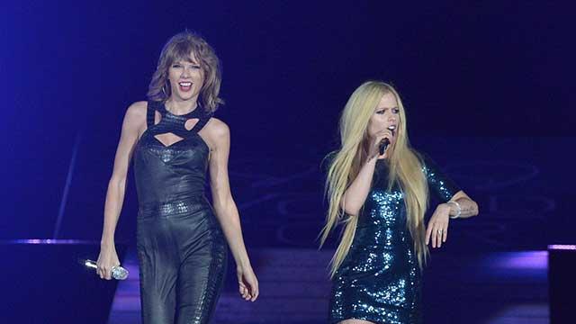 Taylor Swift ve Avril Lavigne Aynı Sahnede